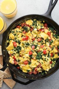 Scrambled Egg with Spinach, Tomato and Onion