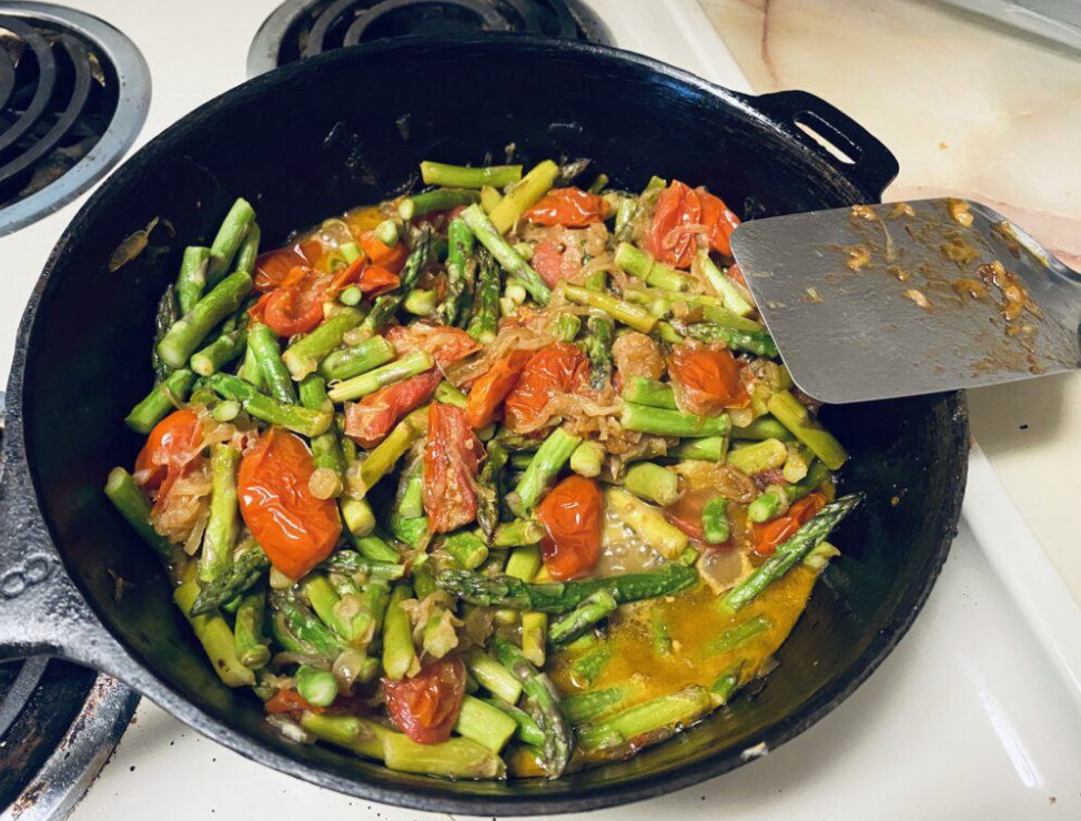 Asparagus with Caramelized Onions and Tomatoes