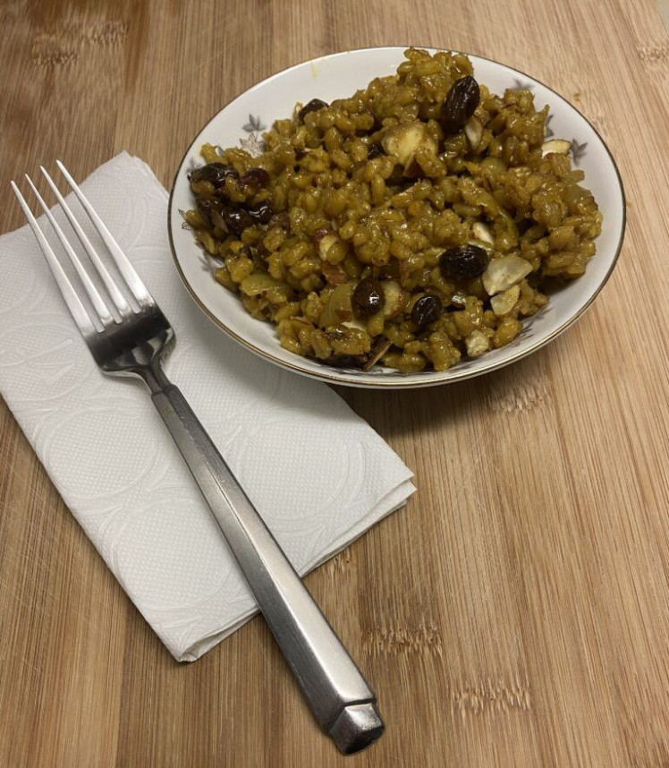 Curry Barley with Cranberries, Raisins and Pecans